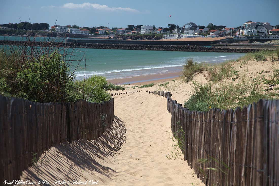 entrée grande plage saint-gilles-croix-de-vie