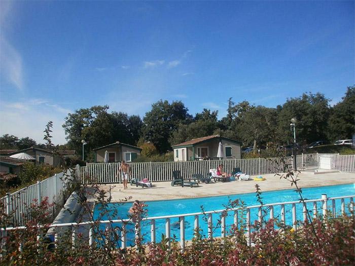 hébergement temporaire Aizenay avec piscine