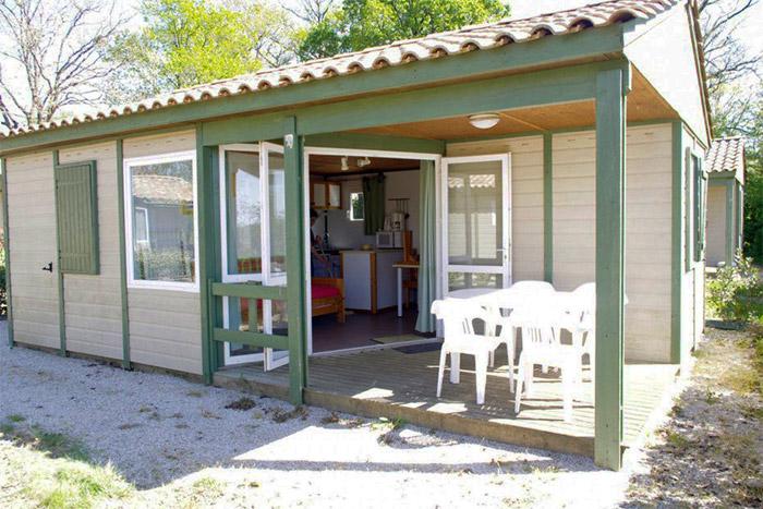 location petit camping avec piscine en Vendée